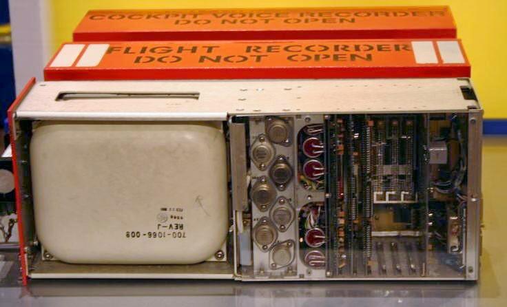 Flight recorder źr. Wikipedia